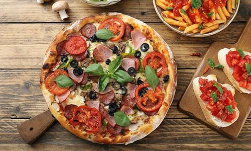 CityGames Sightseeing Party Tour: Pizza Pasta Antipasti L'Osteria